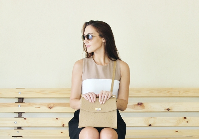 Structured boxy bag