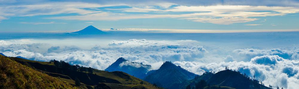Look Mount Agung in Bali afternoon Plawangan Senaru an altitude 2641 meters - Mount Rinjani