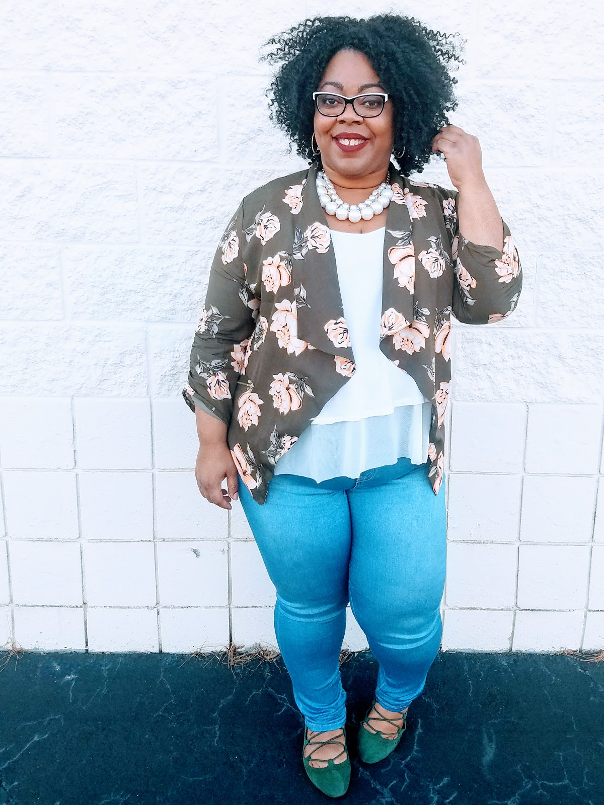 plus size, floral blazer, white tank, denim jeggings, natural hairstyle, bold lips, olive lace up flats