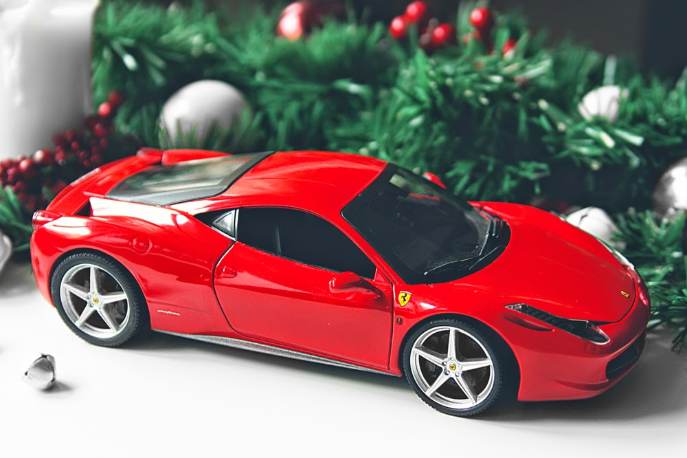 1/18 Hot Wheels Ferrari 458 Italia