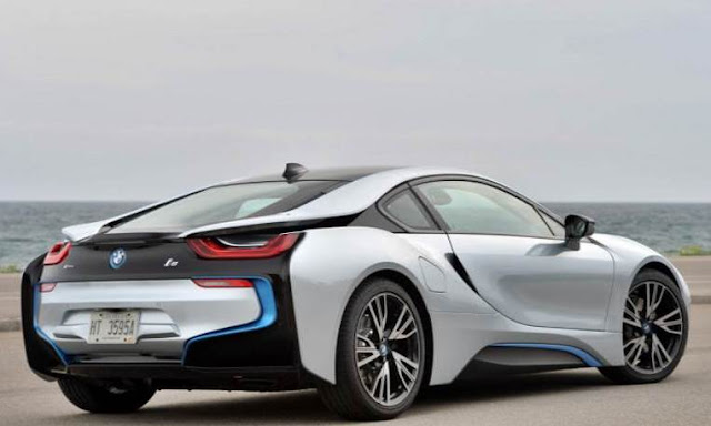 BMW i8 DTM Race Car gets rendered
