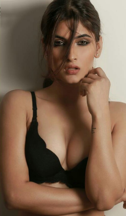 Karishma Sharma Hot Photoshoot Hd - Beautiful Actress-2088