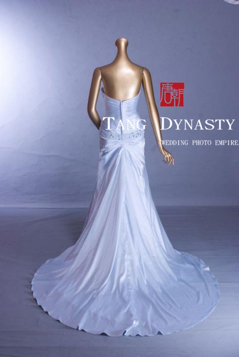 挑訂婚禮服