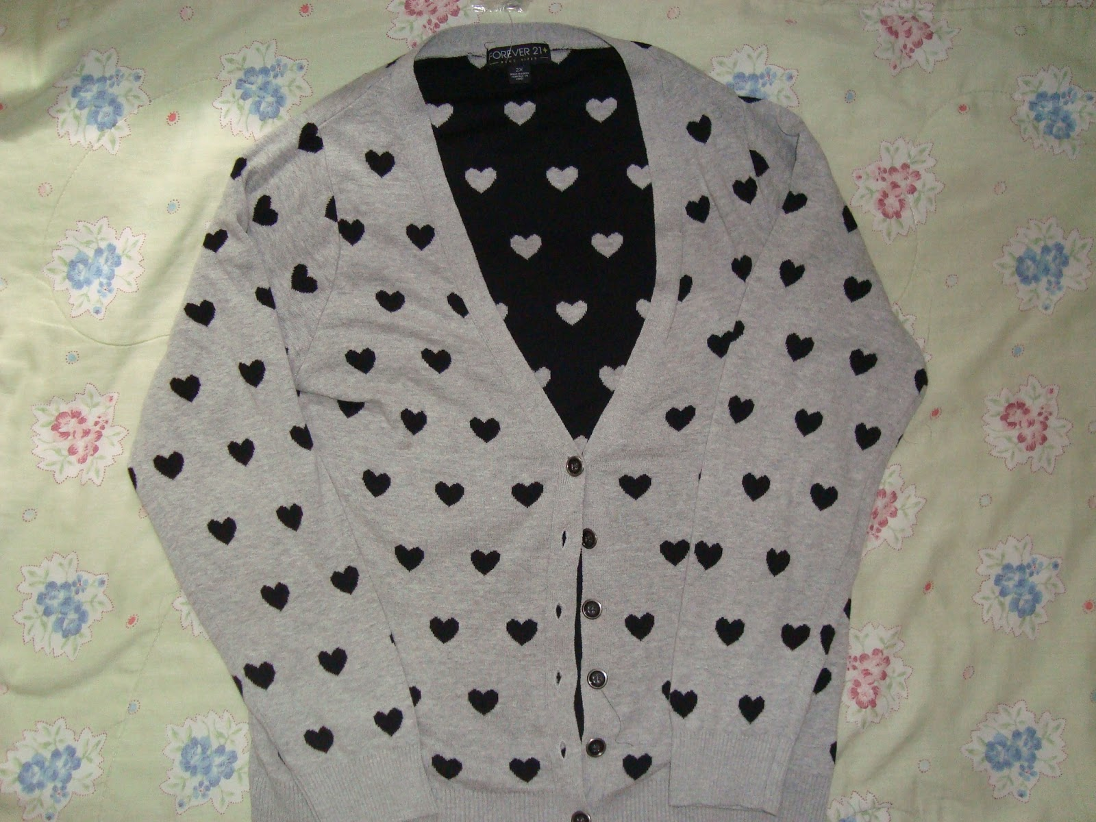 Fashion Finds   Printed Heart Cardigan