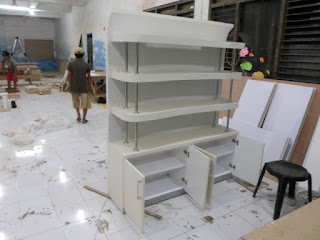 Display Etalasi Roti - Desain Unik Minimalis - Furniture Interior Semarang