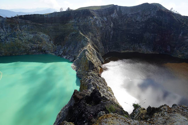 foto danau tiga warna kelimutu