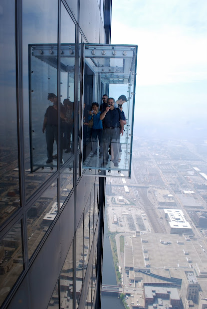 Mille Fiori Favoriti Above Clouds In Willis Tower