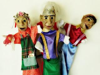 """""""Folclóricos"""" - Bonecos do Mundo, Grupo Só Rindo Bonecos da Montanha"""