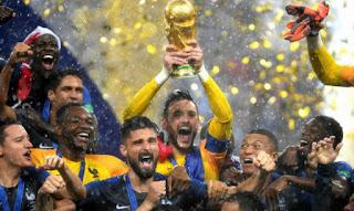 França vence Croácia e é bicampeã da Copa após 20 anos