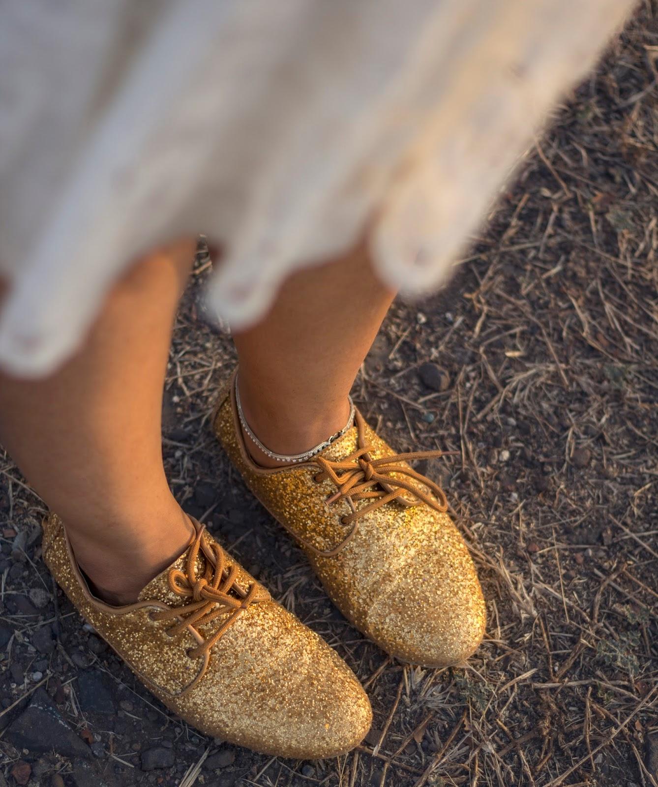 white lace skirt skater skirt gold shoes