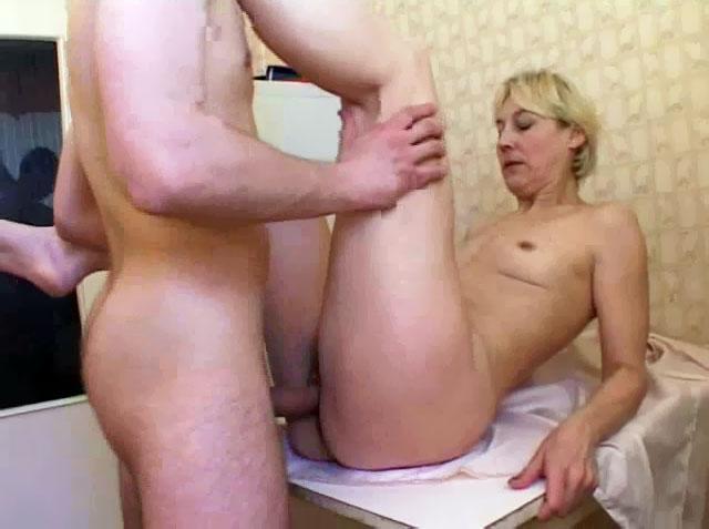 2 im in love part stripper