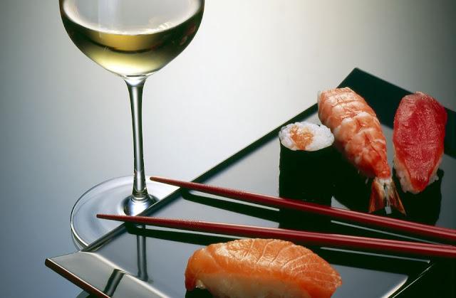 Resultado de imagem para vinho e comida japonesa