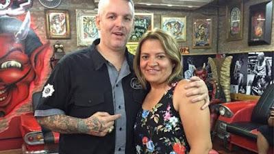 El tatuador porteño de las mujeres que superaron el cáncer de mama