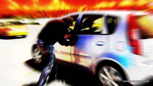Pastor evangélico tem veículo tomado por assaltantes em Santa Cruz do Capibaribe