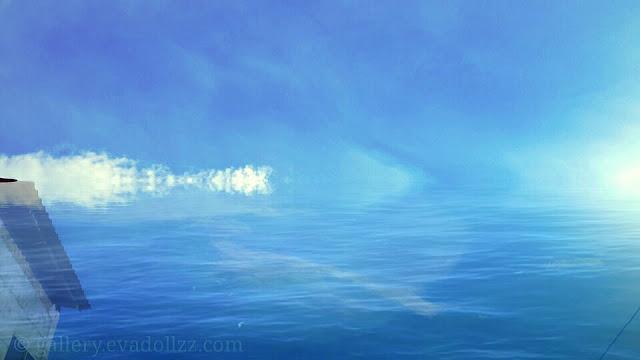 Biru - Blue. Kepada Langit Biru dan Awan Putih