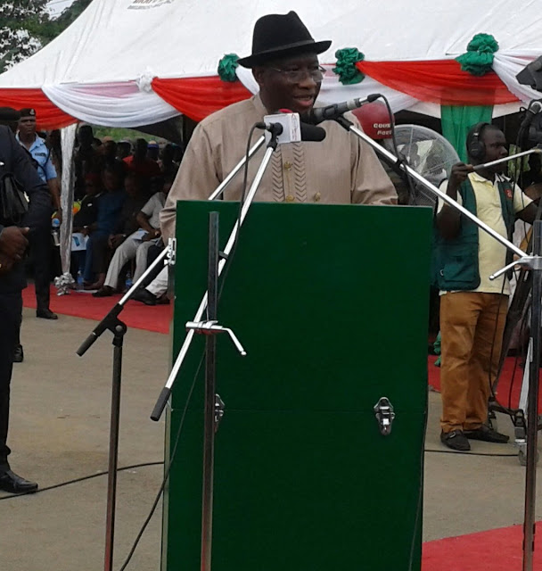 Former President Goodluck Jonathan commissions road in River State (Photos)