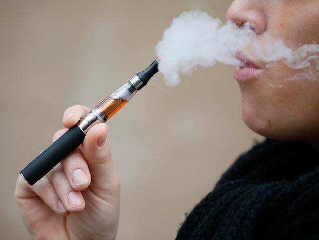 Os cigarros eletrônicos pode ajudar a descontinuar o vício no tabaco – Reprodução