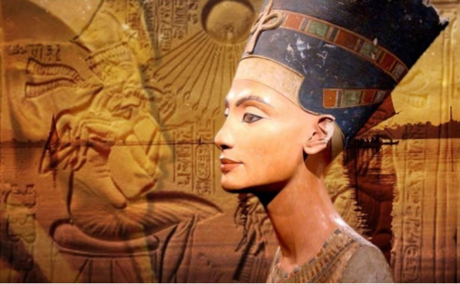A very Beautiful Queen nefertiti