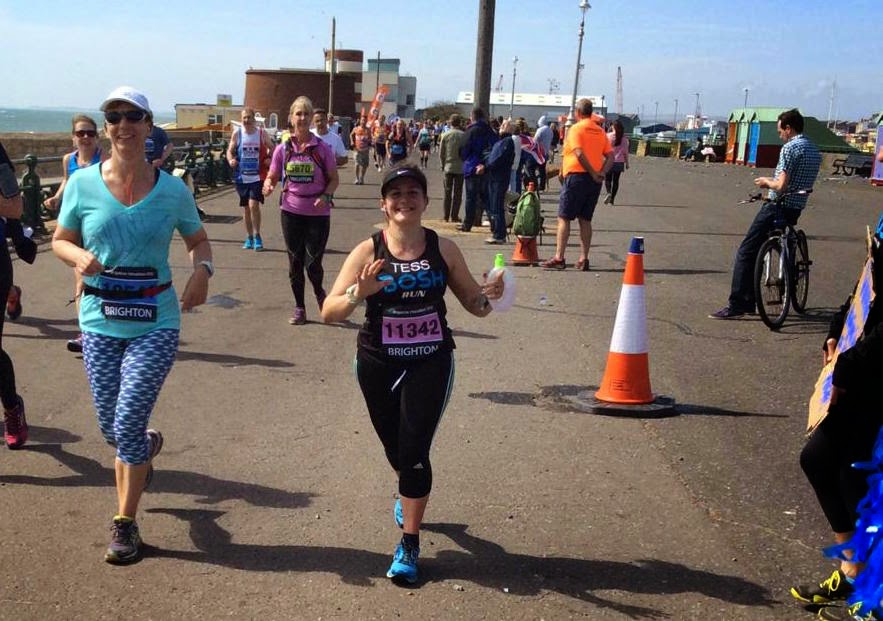 Tess Agnew at Mile 23 of Brighton Marathon 2015