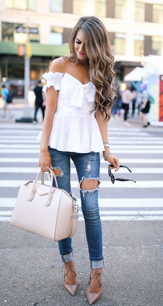 casual style addict: white top + rips + heels + bag