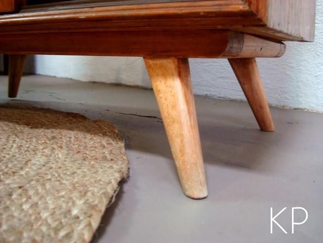 Muebles con patas inclinadas. estilo danés. muebles daneses en valencia.