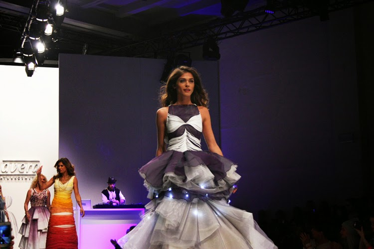 Lavera Showfloor Modeshau Catwalk Fashion Week 2015 MBFW Opening Show Elisa Sednaoui Elisabetta Canalis