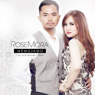 Lirik Lagu Memujamu - RoseMora
