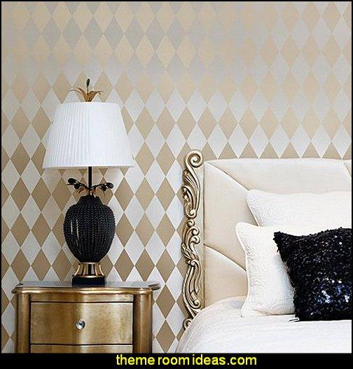Harlequin pattern decorating  Harlequin decor - diamond design  - Harlequin pattern decorating - diamond pattern decor - harlequin stencils - Geometric wall stencils - Harlequin Furniture Stencil  -  Harlequin wallpaper -