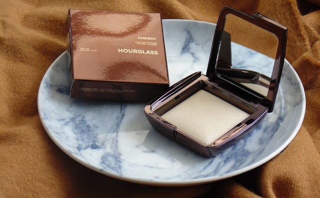Hourglass Ambient Lighting Powder