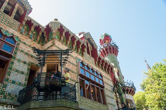 Detalle fachada capricho Gaudi. Comillas