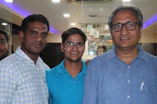 Ankit Jaiswal With Ravish Kumar NDTV MR. JOURNALIST ANKIT JAISWAL
