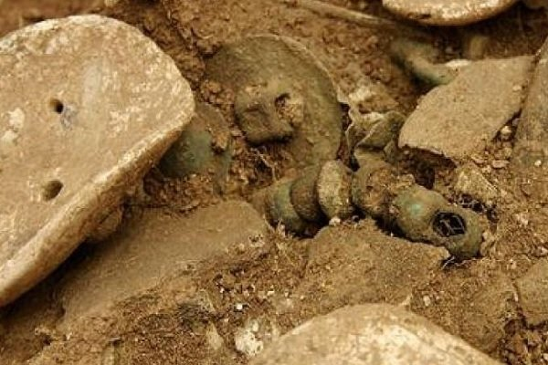 Parthian coffin burial discovered in southwest Iran
