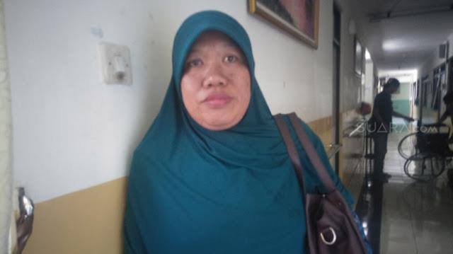 """Masih Terasa Kepiluan Istri Korban Bom Bunuh Diri di Surabaya, Bilang """"Kalau Bisa Bertemu Terorisnya Dia Akan ...."""""""