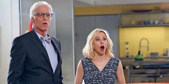 Ted Danson y Kristen Bell en 'The Good Place'