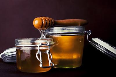 Honey: Natural beauty tips