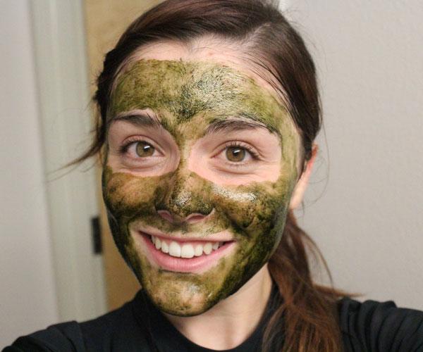 Masker Alami Yang Ampuh Memutihkan Dan Menghaluskan Kulit: Manfaat Spirulina Untuk Masker Wajah