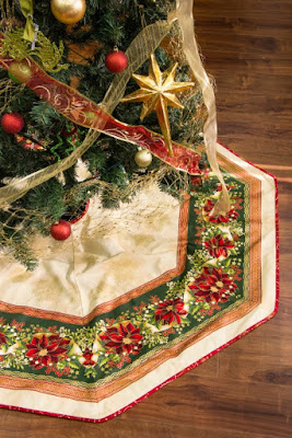 holiday flourish tree skirt free pattern at robert kaufman fabrics - Christmas Tree Skirts