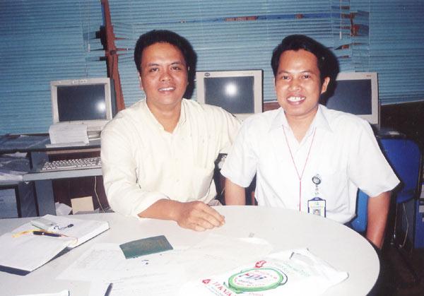 KENANGAN : Saya (Kanan) bersama Iloek. Foto ini diambil sekitar tahun 2001 saat saya masih bekerja di salah satu media cetak di kota Pontianak. Foto IST