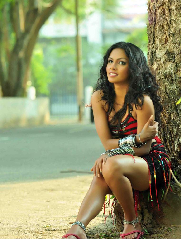 Model Eshu Perera | Sri Lanka Hot Picture Gallery.