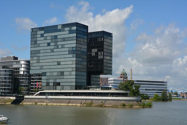 Medienhafen Dusseldorf modern