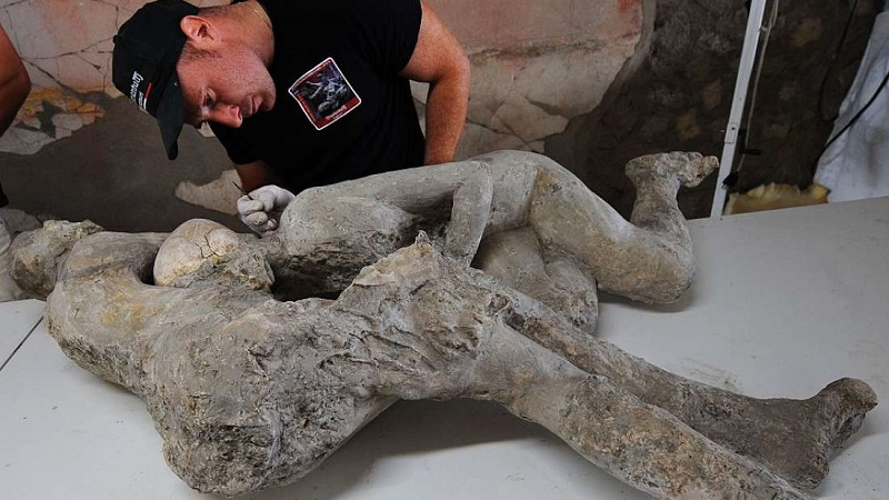 The Embracing Pompeii Couple, After Scan Reveals They Are Both Men