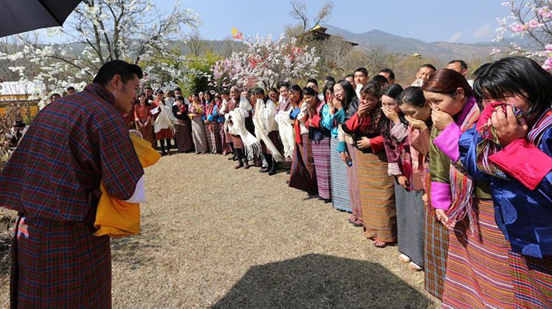 Nacimiento del Nuevo Principe en Bhután se celebra mediante la plantación de 108.000 árboles