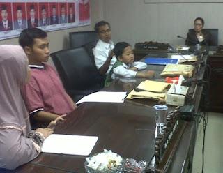 Patoh Sayaf saat di temui anggota Komisi E Jatim