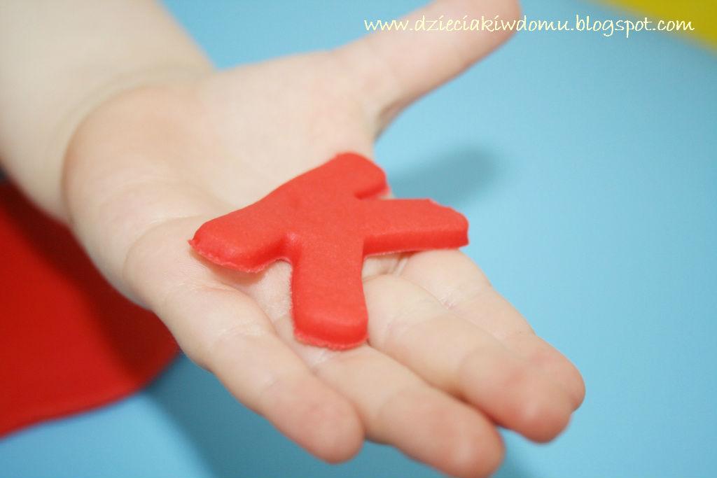 literki z ciastoliny - kreatywna zabawa dla dzieci
