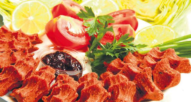 Mencicipi Kelezatan Cig Kofte Makanan Olahan Daging mentah Khas Turki