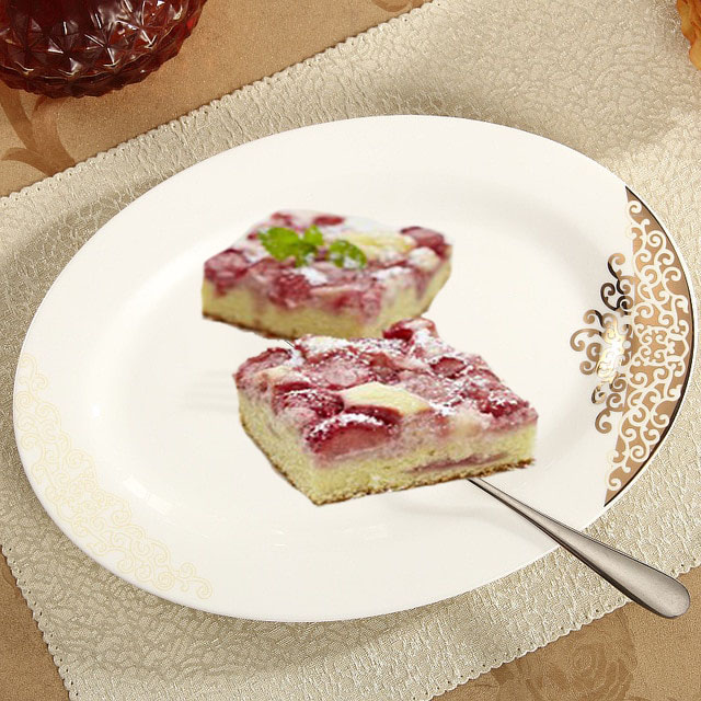 Straw berry sour cake