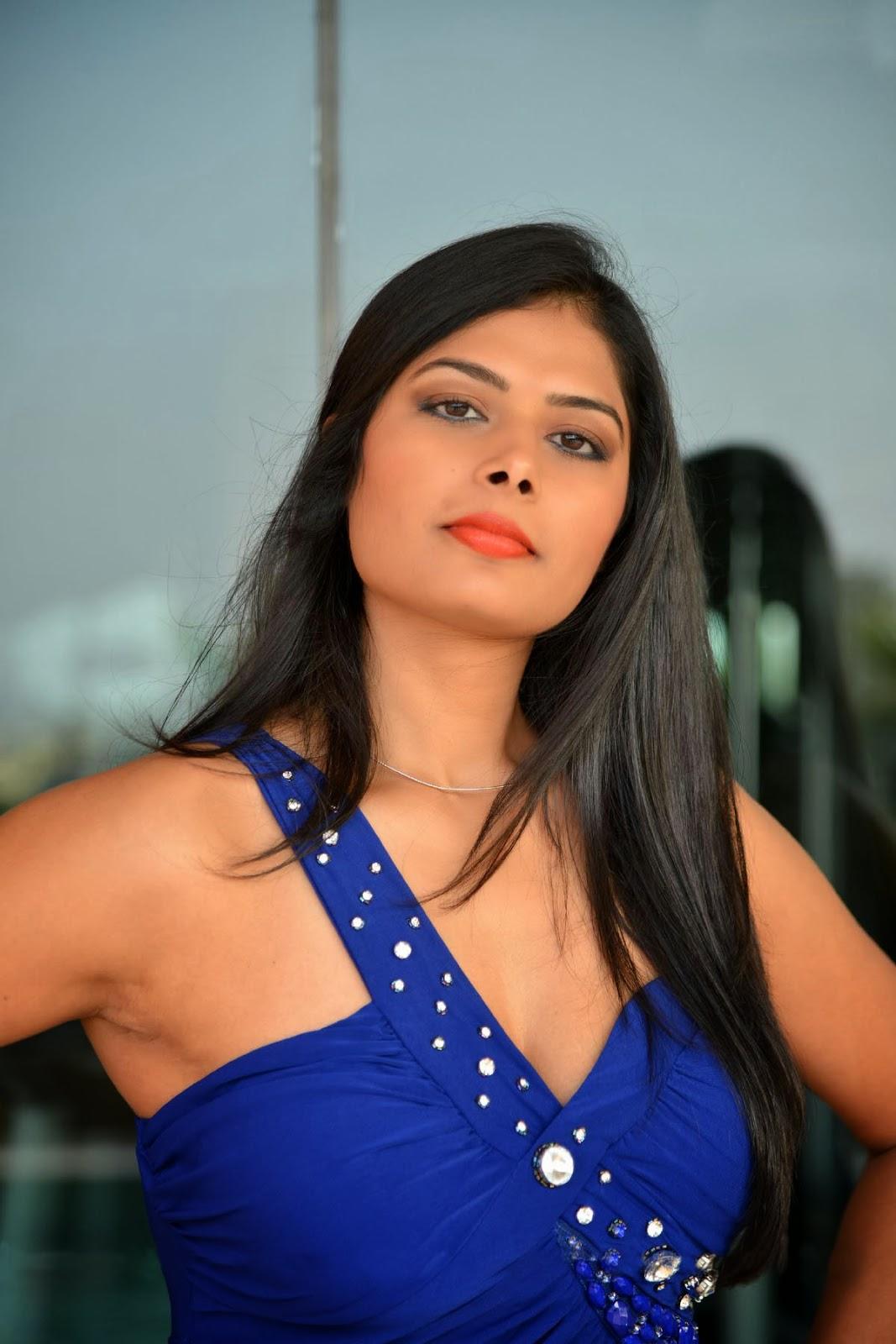 1 bangla bhabhi show big boobs n pussy - 5 8