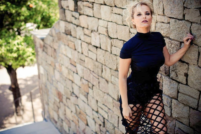 Cristina Ferreira Beautiful and sexy TV host