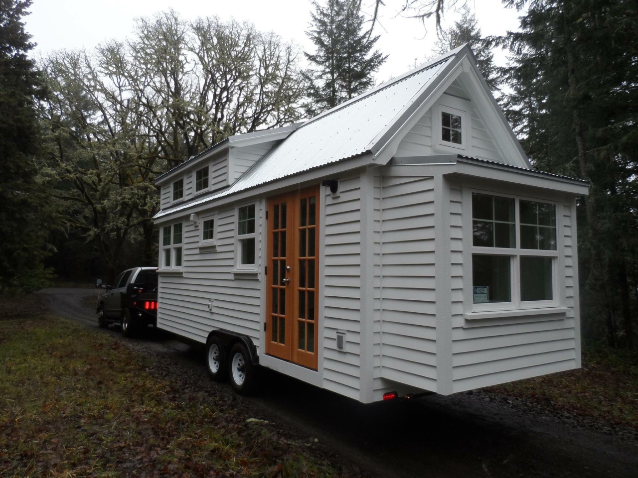 Tiny house town the ynez from the oregon cottage company for Small houses oregon