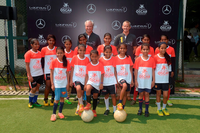 Mr. Roland Folger, MD & CEO, Mercedes-Benz India and Andy Griffiths, Global Director, Laureus Sport for Good with OSCAR Foundation kids-min